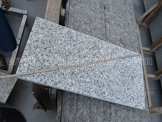 granite G623 tile quality control