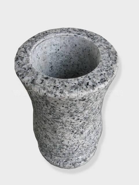 granite vase 007 (1)