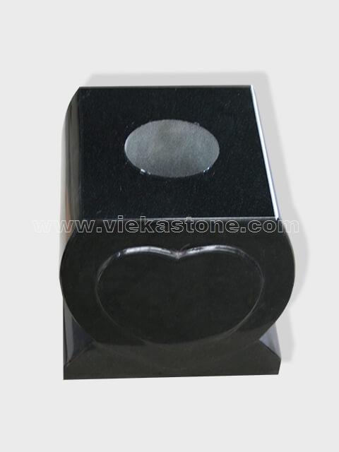 granite vase 026