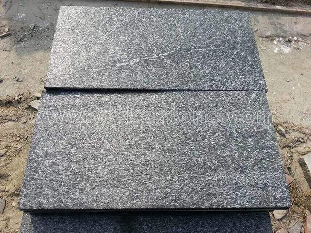 Black quartzite tile 60x30cm (2)