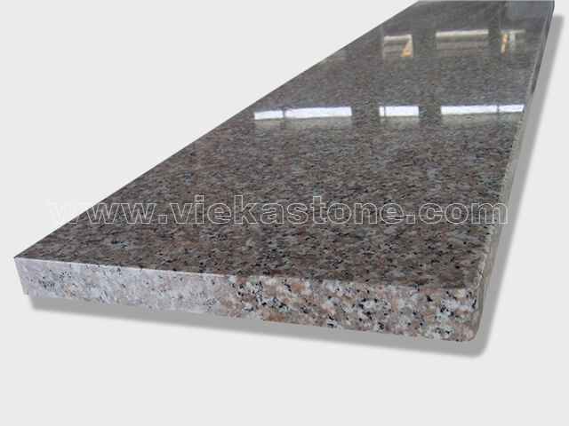 G635 granite step and riser (1)