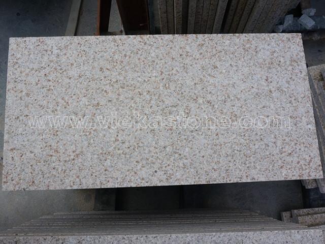 G682 granite tile flamed (1)