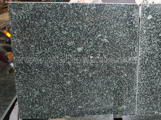 china evergreen granite tile