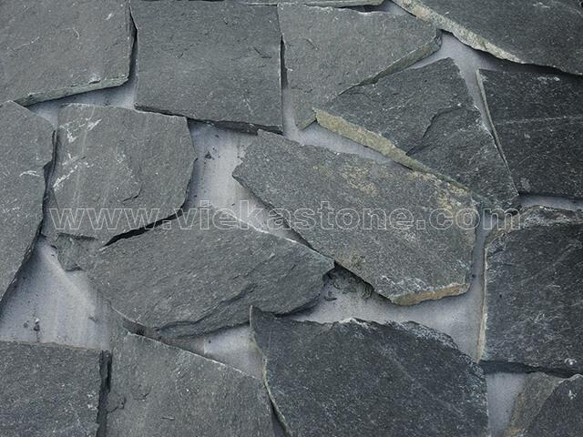 black quartzite irregular crazy flagstone paving (1)
